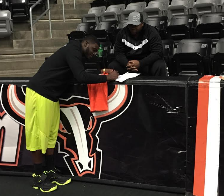 Former Husker Brion Carnes Signs With Omaha Beef